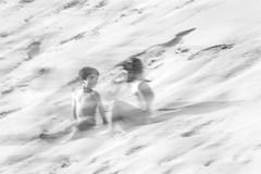 Come un ricordo (nicolamarongiu) Tags: biancoenero blackandwihte mosso blur sovraesposizione sabbia children forms bambini perception