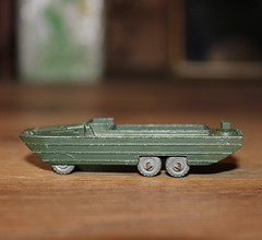 Matchbox 55a, DUKW Amphibian (Davydutchy) Tags: matchbox lesney moko england diecast toy model scale car boy speelgoed spielzeug jouet playworn speelgoedauto spielzeugauto auto voiture vehicle bil avto 55 55a dukw amphibian military militair miliär olive amfibie amfibievoertuig leger army armee heer engineer genie may 2018