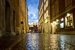 rainy blue hour in Kraków (kalakeli) Tags: krakau kraków poland polen june juni 2018 bluehour blauestunde rainyshot lights lichter langzeitbelichtung longexposure 13secs
