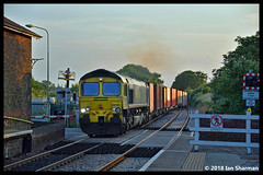 No 66551 6th June 2018 Westerfield (Ian Sharman 1963) Tags: no 66551 6th june 2018 westerfield class 66 shed station engine railway rail railways railfreight train trains loco locomotive freightliner felixstowe birch coppice 4l57