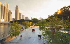 Raffles Place Park Singapore (melvhsc100) Tags: urban downtown cityscape singaporeattractions singaporenicescenery architecture singaporeriver raffleplace boulevard sunset greenery leisure picnic nikon7200 nikon1024mm
