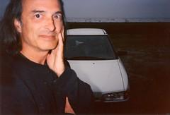 Auto [Mazda 323] portrait (Robert Saucier) Tags: yo auto car fleuve fleuvesaintlaurent saintlaurent saintlawrence mazda lsj9707