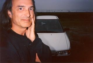 Auto [Mazda 323] portrait