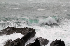 IMG_8613 (Simon M Hendry) Tags: ireland southireland mizenpoint wildatlanticway atlantic sea ocean rocks waves breaking