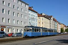 Vormittags auf der Dachauer Straße: P-Zug 2006/3039 ist kurz vor der Sandstraße unterwegs (Bild: Klaus Werner) (Frederik Buchleitner) Tags: 2006 3039 linie22 munich münchen pwagen strasenbahn streetcar tram trambahn