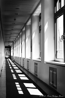 Graphic corridor