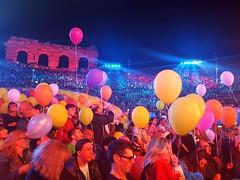 WindMusicAwards 2018 (nothinginside) Tags: verona wma wma2018 2018 music festval wind awards premi tv rai1 rai italy conti carlo vanessa incontrada baloons colored palloncini colori june arena gig