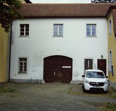 Eingang zum Kloster Berlin Lankwitz 30.5.2018 (rieblinga) Tags: berlin lankwitz kloster eingang tür 3052018 analog rollei 6008 fuji profil 100f diafilm