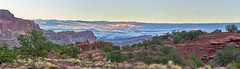 Sunrise at Capital Reef National Park, Utah (W_von_S) Tags: capitolreefnationalpark sunrise sonnenaufgang panorama utah southwest südwesten usa us unitedstates vereinigtestaaten america amerika nationalpark landschaft landscape paysage paesaggio nature natur outdoor clouds wolken sky himmel rocks felsen redrocks rotefelsen berge mountains sony sonyilce7rm2 wvons werner 2016 autumn herbst october oktober sun sonne
