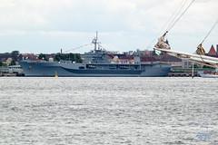 Kieler Woche 2014 (junghahn24) Tags: balticsea canon canoneos500d kiel kielerwoche kriegsschiff meer ostsee teamcanon usnavy usa