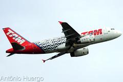 Airbus A319 TAM, PT-TMD (Antônio A. Huergo de Carvalho) Tags: airbus airbusa319 a319 tam latam rio450anos pttmd