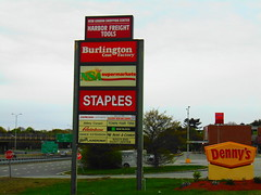 New London Shopping Center (New London, Connecticut) (jjbers) Tags: new london shopping center connecticut may 6 2018 harbor freight tools dennys staples office store burlington coat factory nsa supermarket grocery town fair tire former first bradlees discount location