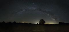 Entre campos en Sarrión, Teruel (:) vicky) Tags: sarrion teruel via láctera night nocturna
