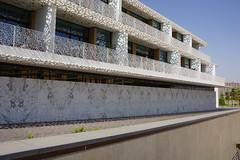 2018-06-FL-191008 (acme london) Tags: 2018 antoniocitterio balconies balcony bookmatchedmarble bookmatchedstone bulgari dubai facade hotel hotelresort marble meraas precastconcrete shading stonecladding uae