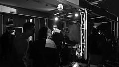 Tom Sue feat. N!klas (genelabo) Tags: video doku tom sue feat nklas live release party konzert concert visuals coge genelabo import export impex taxi salon electronic munich münchen leonrodplatz kreativquartier vjing projection black white schwarz weiss