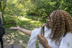 DSC_2175 (photographer695) Tags: wintrade rest recreation hyde park london feeding parakeet birds with nicole ross