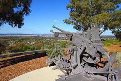 Parkes War Memorial (Ggreybeard) Tags: gun artillery war museum memorial parkes nsw centraltablelands relic
