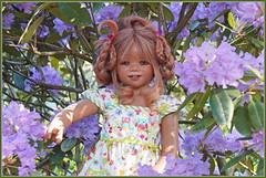 Tivi ... (Kindergartenkinder 2018) Tags: gruga grugapark essen azaleen kindergartenkinder rhododendron annette himstedt garten porträt blume personen eivi