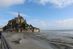 mont saint michel (g.zoe) Tags: roccia isolotto marea bassa abbazzia architettura chiesa torre sabbia normandia viaggio tour francia europa sole e vento acqua sale