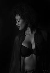 Sensualidad -  sensuality (Pepa Morente ( 2.200.000 de VISITAS )) Tags: blancoynegro blackwhite woman mujer sensual sexy bella belleza bellas afro