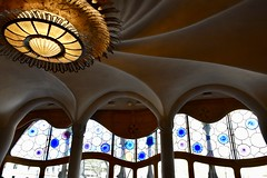 La Pedrera, windows, Gaudí, Barcelona (sz1507) Tags: design interni geometry geometria forme spagna spain espana 2018 d5600 nikond5600 stile windows finestre colors colori architettura architecture modernismo modernism house casa gaudì barcelona barcellona lapedrera