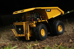 Big Cat! (cheliman) Tags: collection diecast mining construction scalemodel