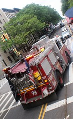 FDNY Engine 76 Responding (MJ_100) Tags: emergencyservices manhattan newyork nyc emergencyvehicle fdny firedepartment fireservice firebrigade fireengine engine enginecompany engine76 apparatus appliance pumper