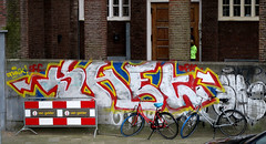 graffiti in Amsterdam (wojofoto) Tags: amsterdam nederland holland graffiti streetart wojofoto wolfgangjosten throws throwups throw throwup