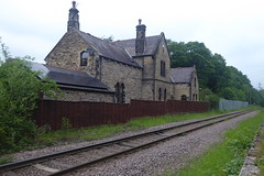 Old station building at Deepcar   (former GC Woodhead route)   May 2018 (dave_attrill) Tags: deepcar station remains building ticketoffice house platform singletrack sheffield southyorkshire greatcentral gc gcr electrified mainline disused passenger goods beeching cuts report sheffieldtomanchester woodhead woodheadroute closed stocksbridge branch donvalley works closed1970 may 2018 railway sheffieldvictoria 1954 1970 1981 wortley oxspring class76 class26 penistone