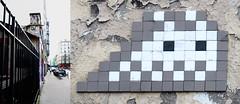 Space invader [Paris 20e] (biphop) Tags: europe france paris streetart space invader spaceinvader mur wall installation mosaic mosaique 75020 pa119 restored restauré reactivated reactivation