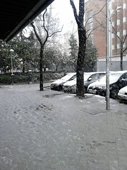 Feb 5th 2018 For those who don't beleve it snows in Madrid (d.kevan) Tags: streetscenes snow feb5th2018 slush prosperidad callematlpino madrid spain myneighbourhood cars buildings plants trees callemataelpino