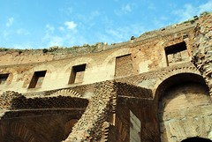 Arches in the Colosseum (zawtowers) Tags: rome roma italy italia capital city historic roman empire heritage monday 28 may 2018 summer holiday vacation break warm sunny colosseum flavian ampitheatre gladiatorial shows executions theatre round circular closed arches