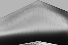 Rautendach (christikren) Tags: austria architecture blackwhite christikren linescurves lines monochrome perspective sw vienna rautendach schweben diamondroof station grey hauptbahnhof roof geometry geometrie