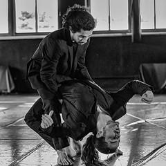 Sin piedad (fotochemaorg) Tags: alcaládehenares blancoynegro danza danzacontemporanea losdedae