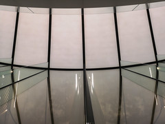 2018-06-FL-191793 (acme london) Tags: 2018 apple applestore dubai dubaimall facade glass glassfacade glassfins normanfoster seele uae