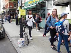 20180615T15-57-10Z-_6154271 (fitzrovialitter) Tags: england fitzrovia gbr geo:lat=5151818000 geo:lon=013467000 geotagged unitedkingdom westendward girl peterfoster fitzrovialitter rubbish litter dumping flytipping trash garbage urban street environment london streetphotography documentary authenticstreet reportage photojournalism editorial captureone littergram exiftool olympusem1markii mzuiko 1240mmpro city ultragpslogger geosetter