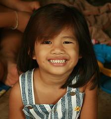 cute girl (the foreign photographer - ฝรั่งถ่) Tags: cute girl teeth child klong thanon portraits bangkhen bangkok thailand canon