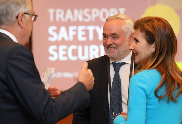 Lamia Kerdjoudj Belkaid converses with other attendees