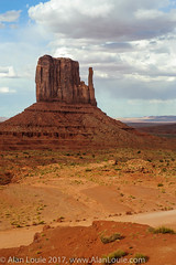 20090601 Monument Valley 010.jpg (Alan Louie - www.alanlouie.com) Tags: monumentvalley landscape arizona oljatomonumentvalley unitedstates us ussouthwest