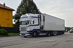 Scania Streamline Kristof Pattyn (Samuele Trevisanello) Tags: scania r v8 v8power kristof pattyn transport truck trucks truckphotographer truckspotting truckspotter goinstyle powerinstyle fotobyst truckmeeting itslis italia italy como docks veicolo allaperto