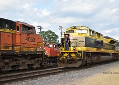 Wallace Visitors Meeting (R.G. Five) Tags: cn bnsf ns heritage virginian wallace freeport il sun train railroad