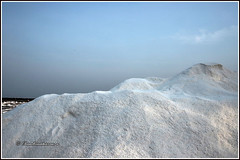 7936 - salt at Marakkaram salt pans (chandrasekaran a 50 lakhs views Thanks to all.) Tags: salt production storage marakkanam tamilnadu canoneos6dmarkii tamronef28300mm