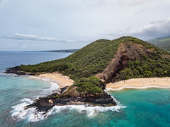 To the right is Big Beach, where you'll see families and children enjoying the sun. To the left is Little Beach, the clothing optional side where you'll see... (thomaslchen) Tags: thomaslchen photography blog maui hawaii makena beach big little aerial drone dji mavic island