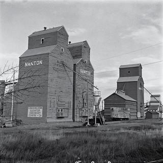 Nanton, Alberta, grain elevators