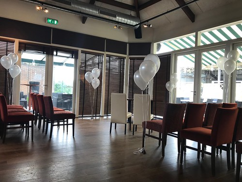 Tafeldecoratie 3ballonnen Gronddecoratie 't Manneke Berkel en Rodenrijs
