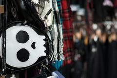 Cute skull (beeldmark) Tags: bokeh tokyo stad japan detail tokio 東京 tokyoto jpn harajuku 原宿 日本 beeldmark pentax k10d