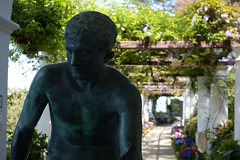 the Statue (moniq84) Tags: statue villa san michele capri anacapri flowers color colors green verde nature amalfi coast campania island bokeh backlight controluce nikon