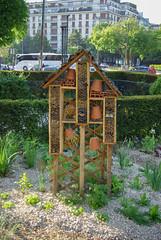 Jardins de l'avenue Foch - Hotel a Insectes (maxfisher) Tags: paris16earrondissement îledefrance france