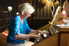 Leonore Lub bespeelt het Adema-orgel, St.-Agathakerk, Lisse, 26 mei 2018. Foto: Alexander Schippers.