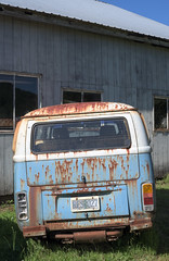 Beaver Creek Bob's (faasdant) Tags: beavercreek bob's vw volkswagen repair junkyard aircooled watercooled beaver oregon rust rusty rusting